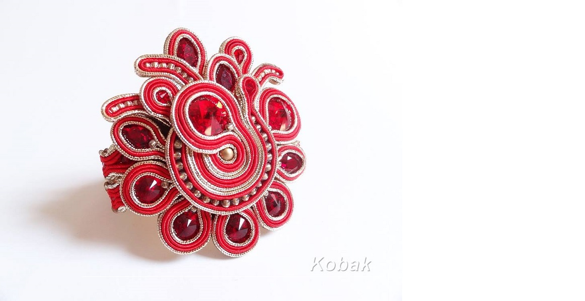 red-bracelet-2